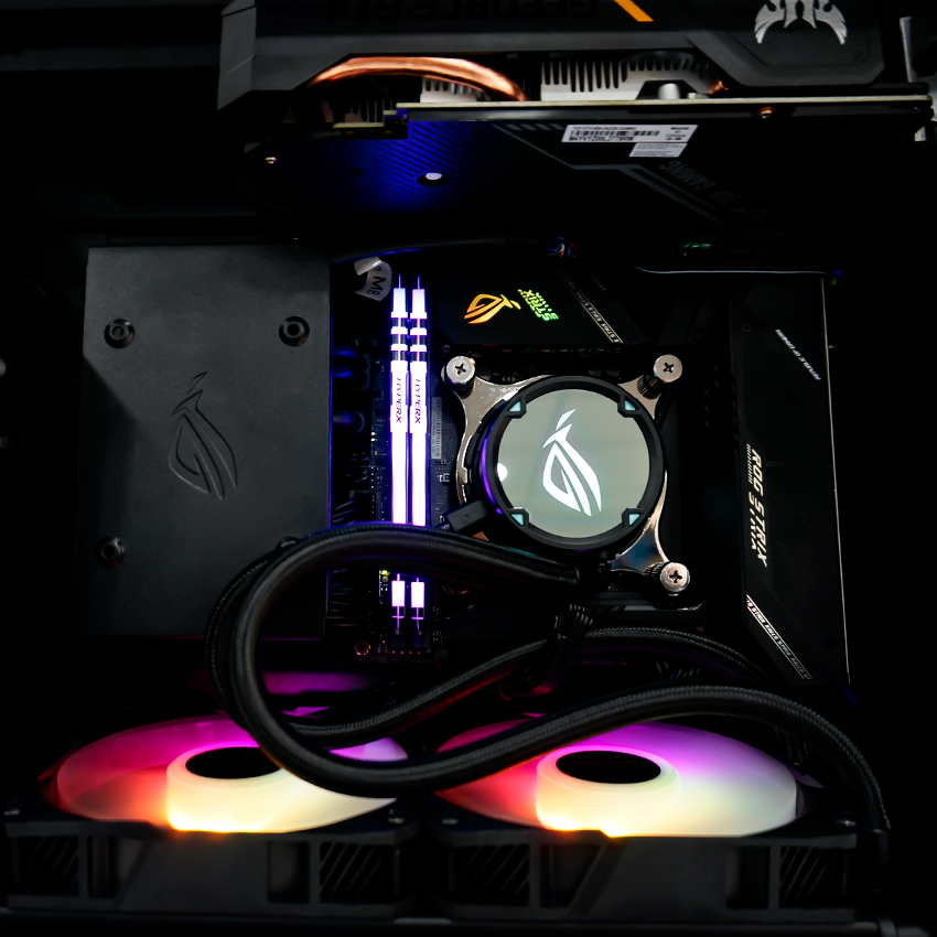 компактный игровой компьютер ASUS в Mini-ITX корпусе ROG Z11